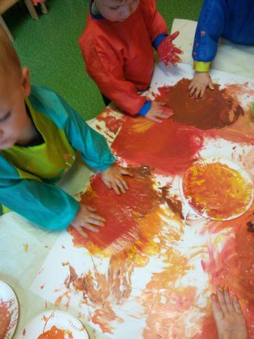 Malowanie rękoma czyli jesienne wariacje.